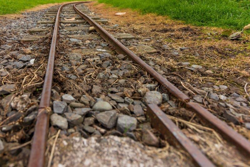 Στενές διαδρομή σιδηροδρόμου μετρητών στο πάρκο Agnew, Stranraer, Σκωτία, Ηνωμένο Βασίλειο στοκ εικόνες