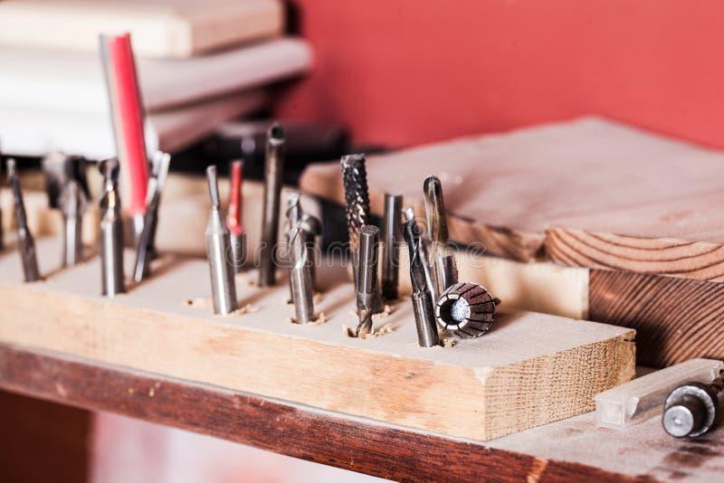 Στενή άποψη του συνόλου εργαλείων ξυλουργών κοιλωμάτων τρυπανιών στοκ φωτογραφίες με δικαίωμα ελεύθερης χρήσης