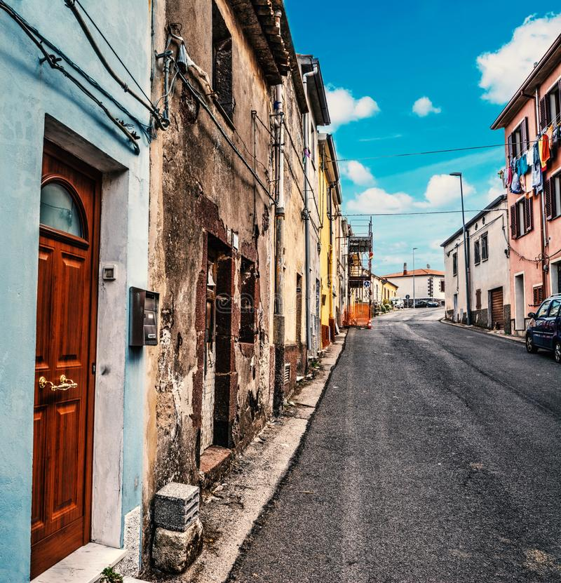 Στενή αλέα σε Villanova Monteleone στοκ φωτογραφίες με δικαίωμα ελεύθερης χρήσης