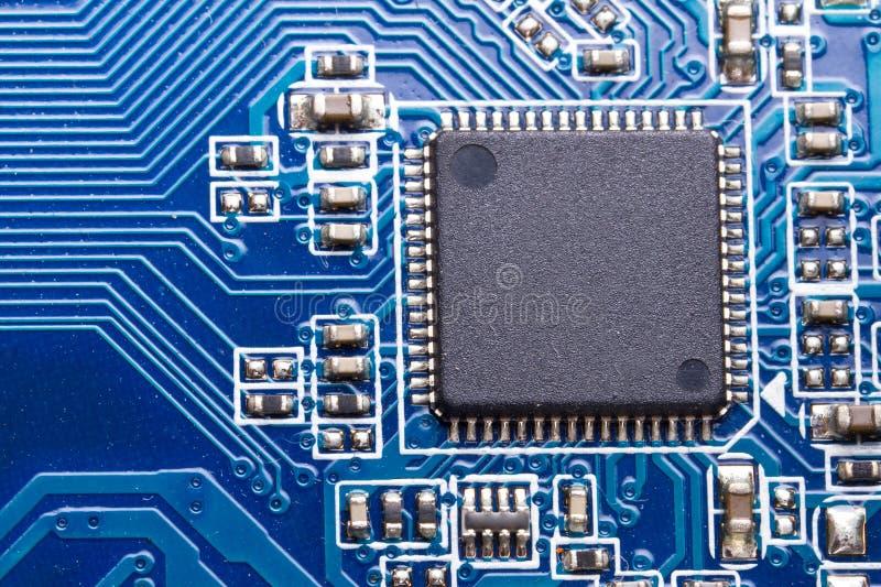 στενή μητρική κάρτα υπολογιστών τσιπ επάνω στοκ φωτογραφία με δικαίωμα ελεύθερης χρήσης