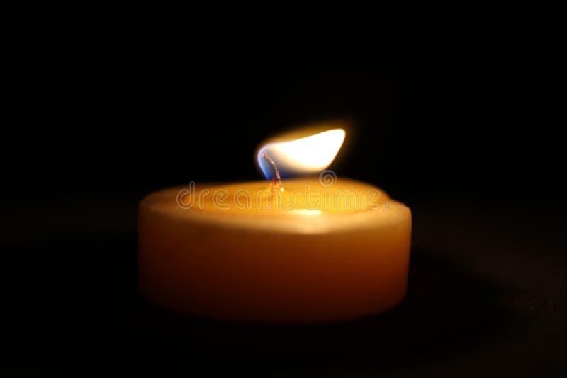 στενή νύχτα κεριών επάνω στην όψη στοκ εικόνα