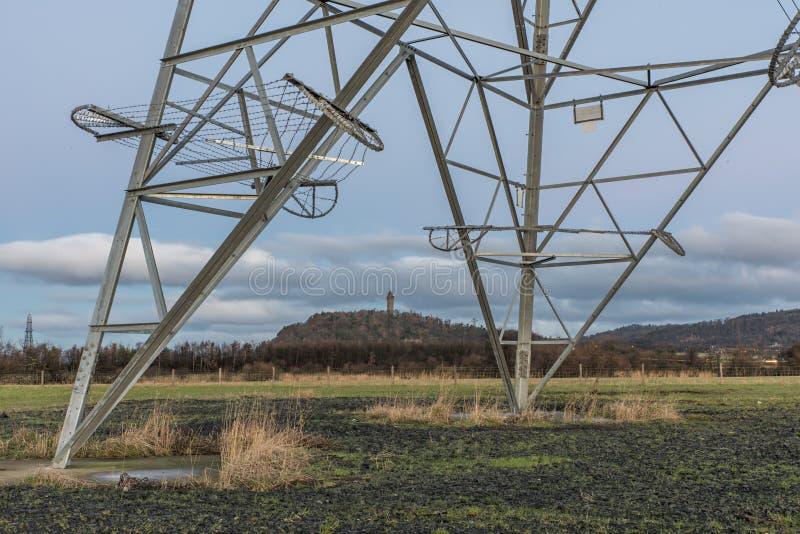 Στενός πυροβολισμός των πυλώνων ηλεκτρικής ενέργειας στοκ εικόνες