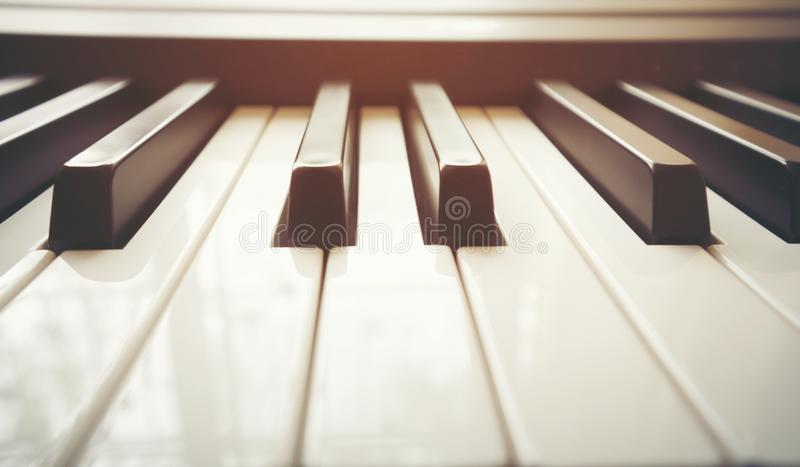 στενό πιάνο πληκτρολογίω&nu στοκ εικόνα με δικαίωμα ελεύθερης χρήσης
