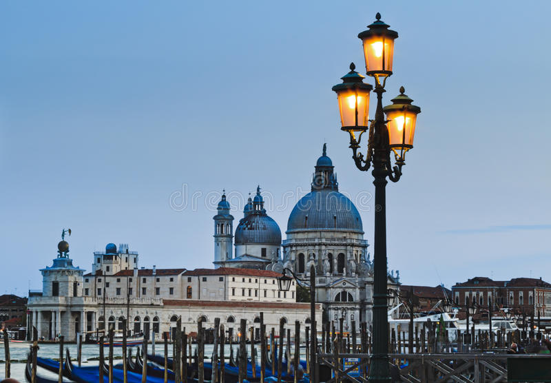 Στενό σύνολο λαμπτήρων της Βενετίας Maggiore στοκ φωτογραφία με δικαίωμα ελεύθερης χρήσης