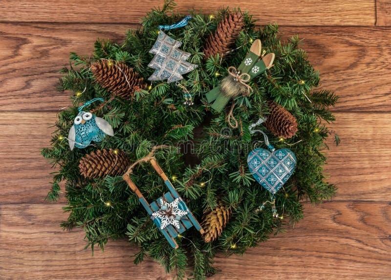 Στεφάνι Χριστουγέννων για την πόρτα στοκ φωτογραφία με δικαίωμα ελεύθερης χρήσης