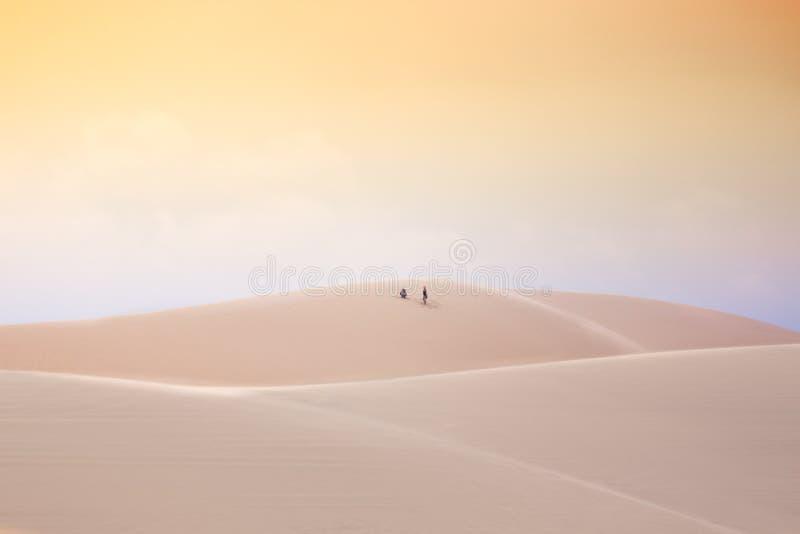Στην έρημο, άσπροι αμμόλοφοι άμμου, ΝΕ Mui, Βιετνάμ στοκ φωτογραφία με δικαίωμα ελεύθερης χρήσης