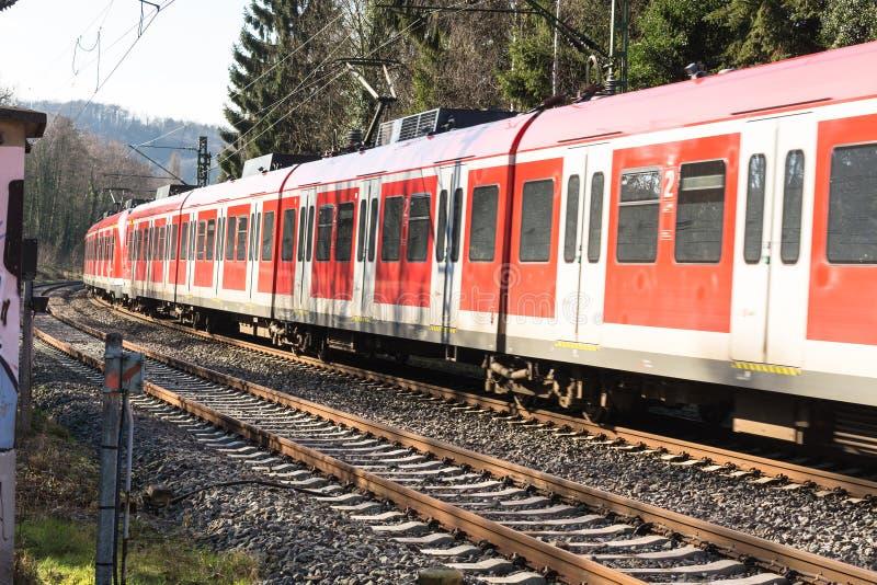 Στην οδήγηση, τραίνο σιδηροδρόμων προς Duesseldorf στοκ εικόνα με δικαίωμα ελεύθερης χρήσης