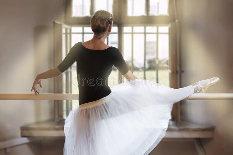 Στην τάξη μπαλέτου στοκ εικόνες