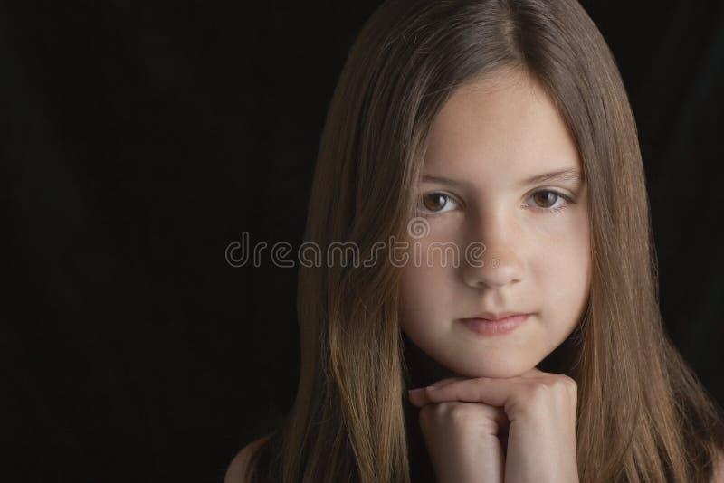 Στηργμένος πηγούνι κοριτσιών Brunette σε ετοιμότητα στοκ εικόνα με δικαίωμα ελεύθερης χρήσης