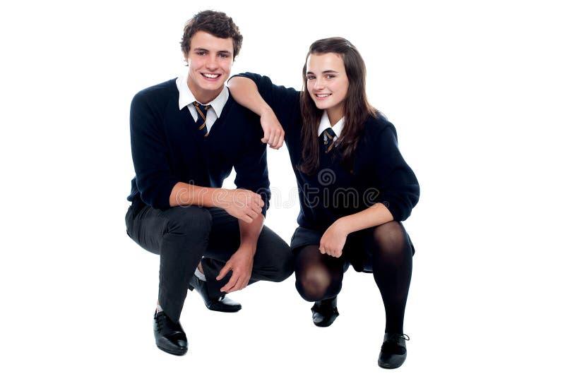 Στηργμένος χέρι κοριτσιών στον ώμο φίλων της στοκ εικόνες με δικαίωμα ελεύθερης χρήσης