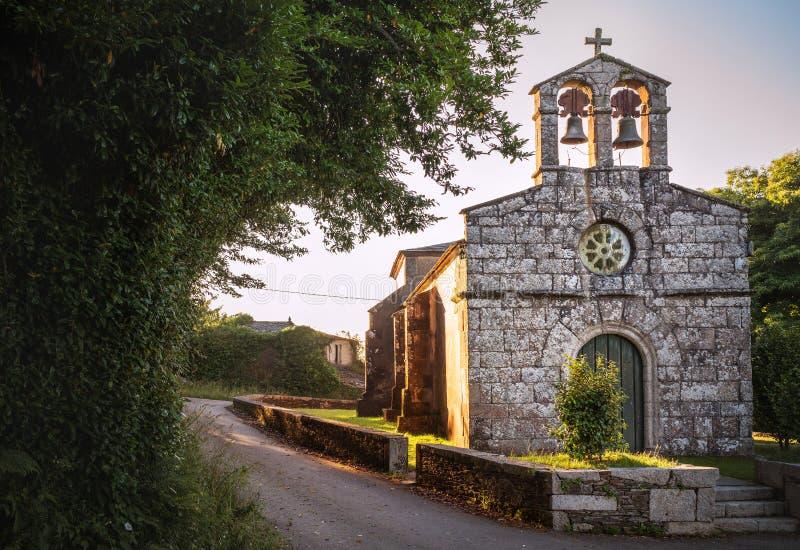 Στη διαδρομή Camino de Santiago Εκκλησία Igrexa de Santa Maria de Abadin στο Abadin, Γαλικία, Ισπανία στοκ εικόνα