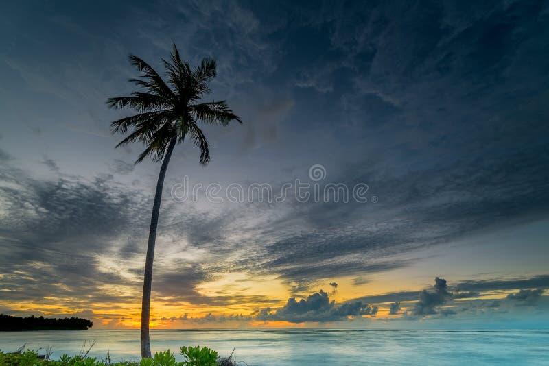 Στιγμή ηλιοβασιλέματος και ανατολής στοκ εικόνα