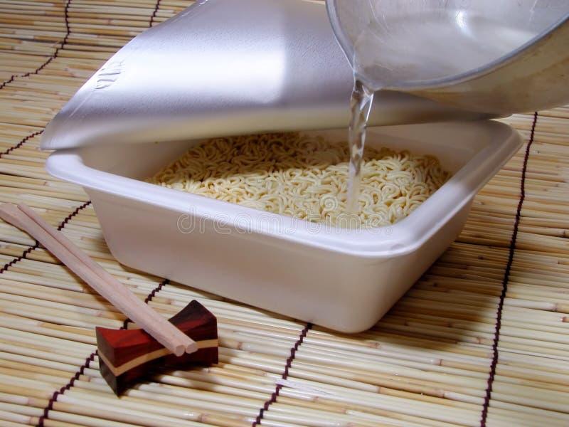 στιγμιαίο να προετοιμαστεί soba στοκ φωτογραφία με δικαίωμα ελεύθερης χρήσης