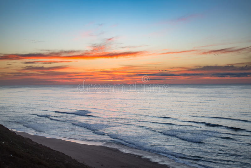 Στις αρχές βραδιού στην ακτή σε Sidi Ifni στοκ φωτογραφίες με δικαίωμα ελεύθερης χρήσης