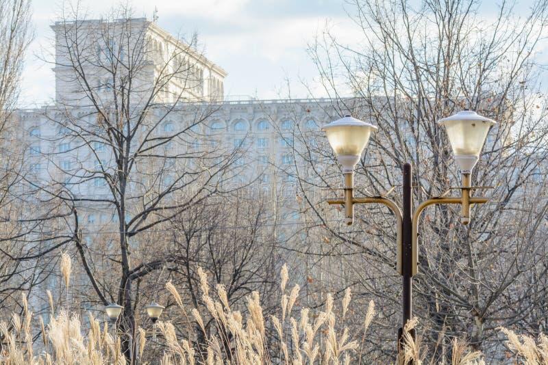 Στις 10 Ιανουαρίου του Βουκουρεστι'ου, Ρουμανία †«: Το Κοινοβούλιο του Βουκουρεστι'ου τον Ιανουάριο στοκ εικόνες