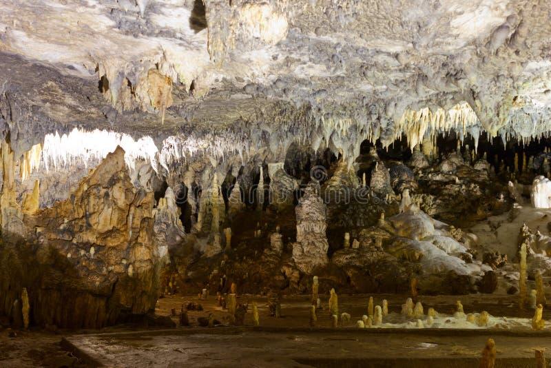 Στοά σπηλιών στη σπηλιά Ledenika στοκ φωτογραφίες με δικαίωμα ελεύθερης χρήσης