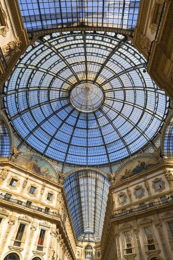 Στοά Vittorio Emanuele ΙΙ, λεωφόρος αγορών πολυτέλειας, Μιλάνο, Ιταλία στοκ εικόνες