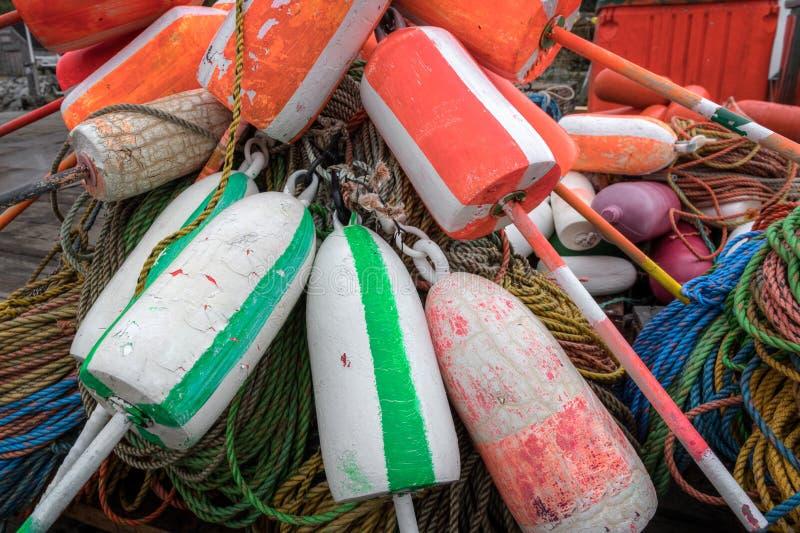 Στοίβα μπουκαλιών στο λιμάνι ψαρέματος αστακών στοκ φωτογραφία