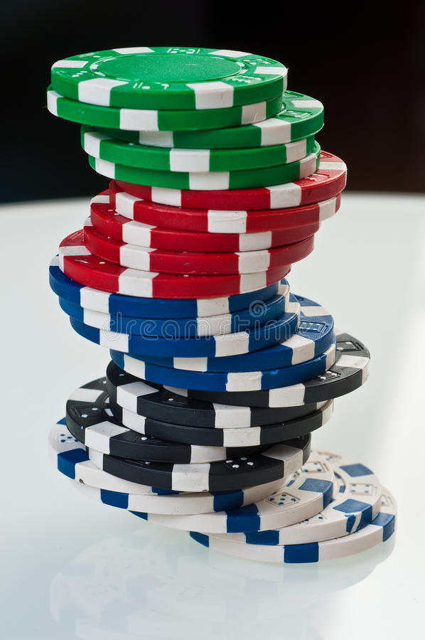 στοίβα πόκερ τσιπ στοκ εικόνα με δικαίωμα ελεύθερης χρήσης