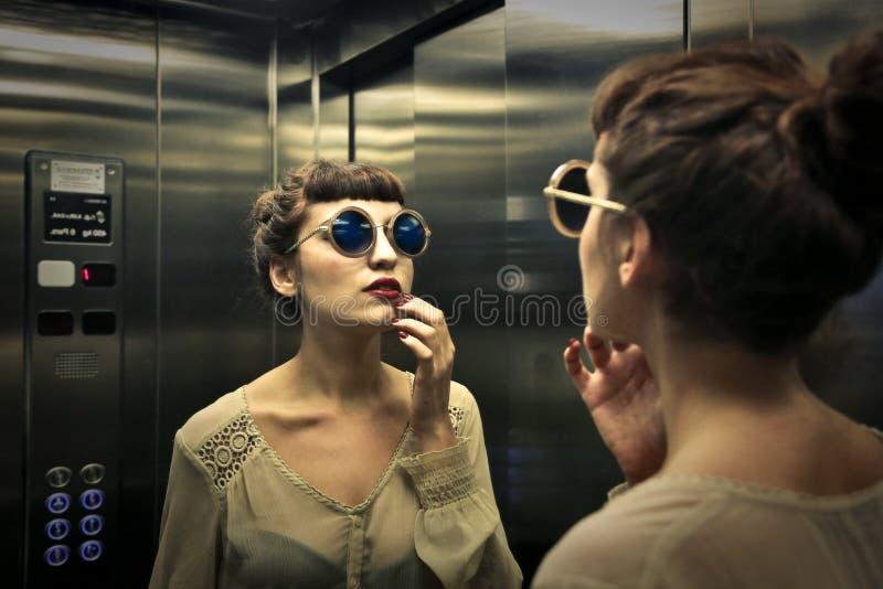 Στον ανελκυστήρα στοκ εικόνες