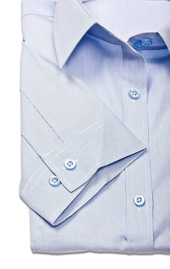 Στούντιο που πυροβολείται των μπλε πουκάμισων ατόμων ` s σε ένα άσπρο υπόβαθρο στοκ εικόνες με δικαίωμα ελεύθερης χρήσης