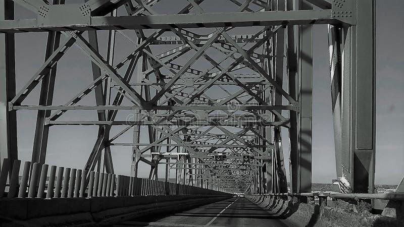 Στο δρόμο μιας γέφυρας στοκ φωτογραφία με δικαίωμα ελεύθερης χρήσης