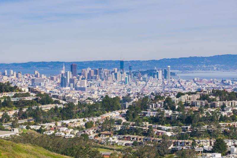 Στο κέντρο της πόλης άποψη του Σαν Φρανσίσκο από την ΑΜ Davidson, Καλιφόρνια στοκ φωτογραφίες με δικαίωμα ελεύθερης χρήσης