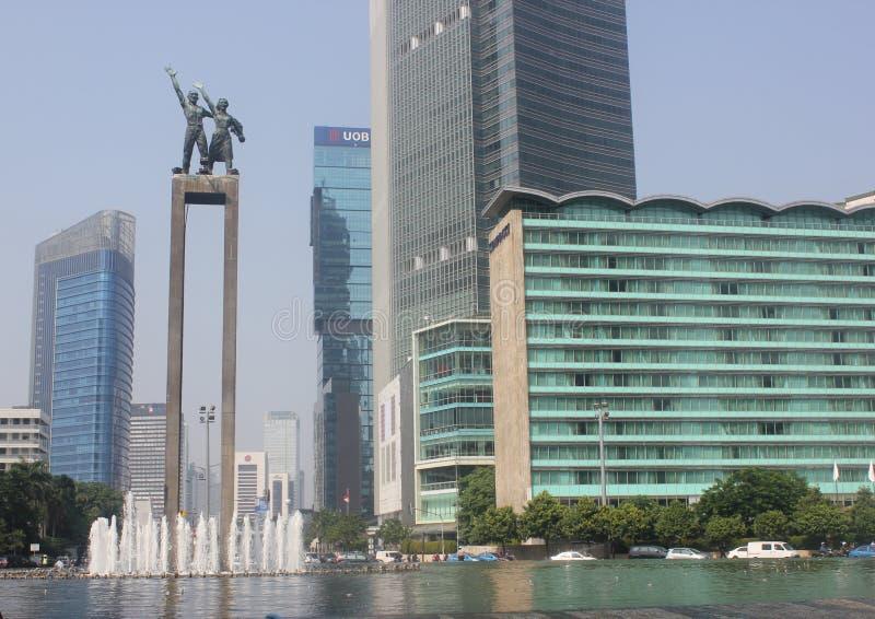 στο κέντρο της πόλης διασταύρωση κυκλικής κυκλοφορίας της Ινδονησίας Τζακάρτα ξενοδοχείων στοκ φωτογραφία με δικαίωμα ελεύθερης χρήσης
