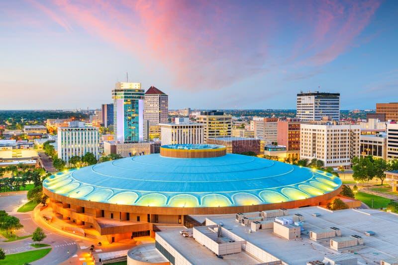 Στο κέντρο της πόλης ορίζοντας πόλεων του Wichita, Κάνσας, ΗΠΑ στοκ εικόνα