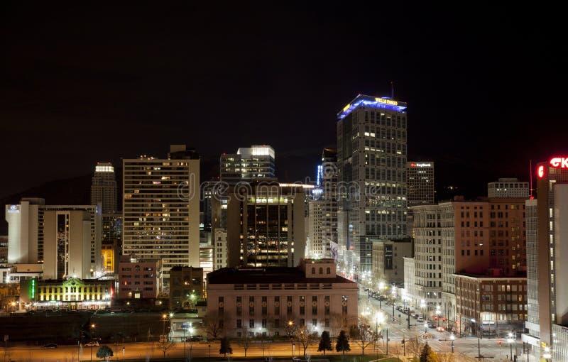 Στο κέντρο της πόλης Σωλτ Λέικ Σίτυ τη νύχτα στοκ εικόνες