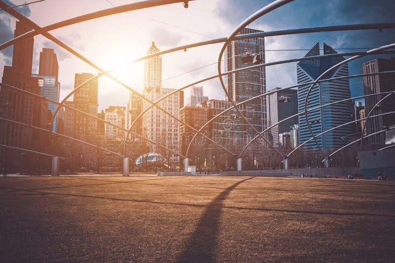 Στο κέντρο της πόλης ηλιοβασίλεμα του Σικάγου στοκ φωτογραφίες