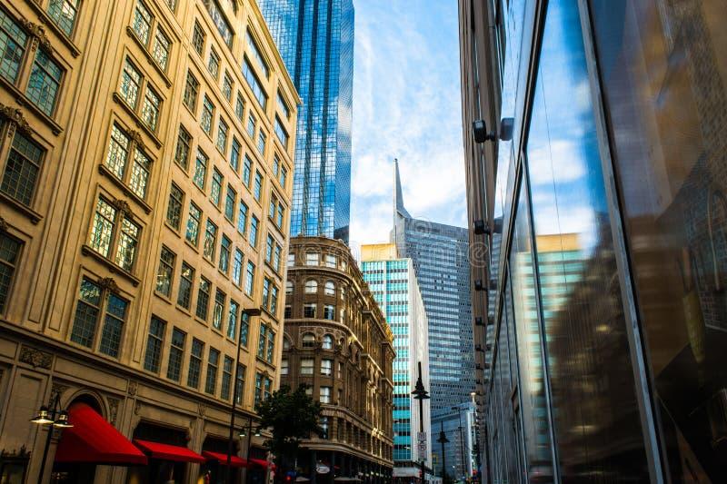 Στο κέντρο της πόλης aPerspective στοκ φωτογραφίες