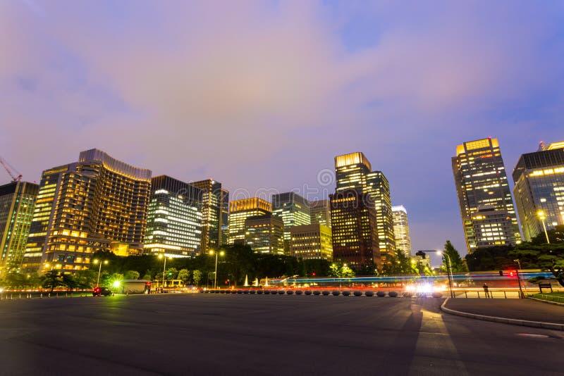Στο κέντρο της πόλης Marunouchi λυκόφως οριζόντων νύχτας του Τόκιο στοκ φωτογραφία