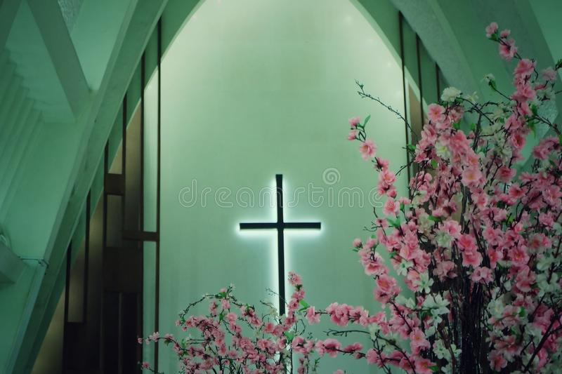 Στο σταυρό στοκ εικόνες με δικαίωμα ελεύθερης χρήσης