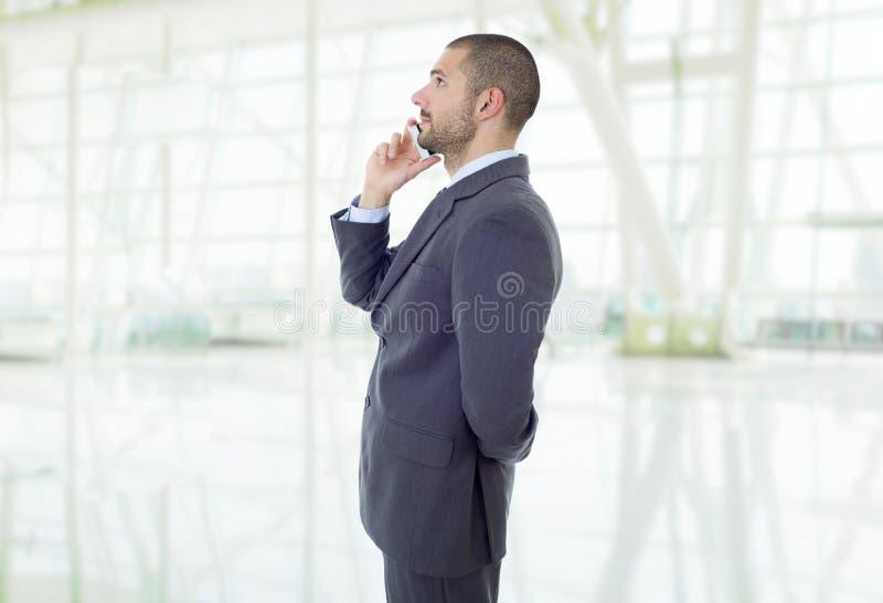 Στο τηλέφωνο στοκ φωτογραφία με δικαίωμα ελεύθερης χρήσης