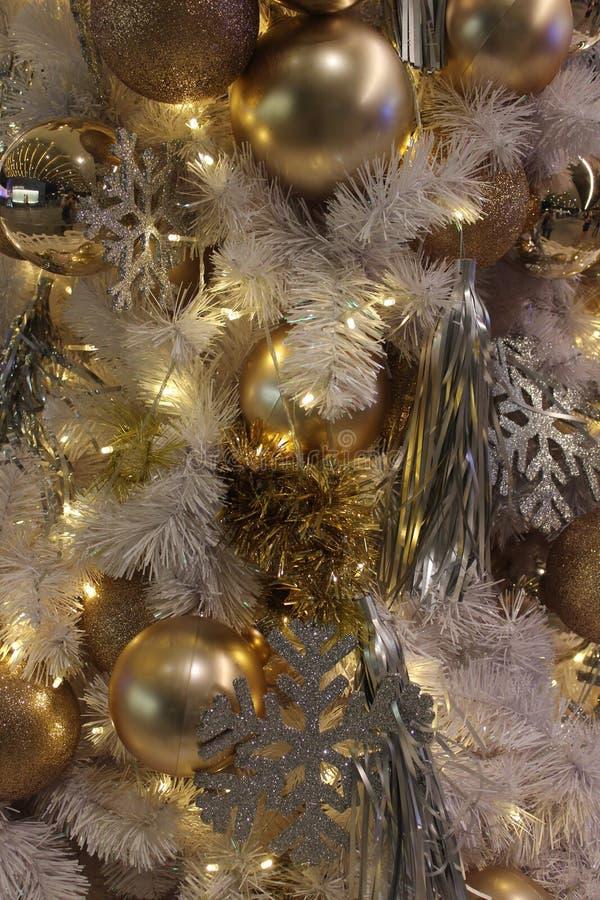 Στο φεστιβάλ Χριστουγέννων στοκ εικόνα με δικαίωμα ελεύθερης χρήσης