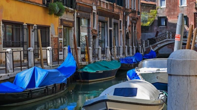 Στο χώρο στάθμευσης Βενετία καναλιών στοκ φωτογραφία με δικαίωμα ελεύθερης χρήσης