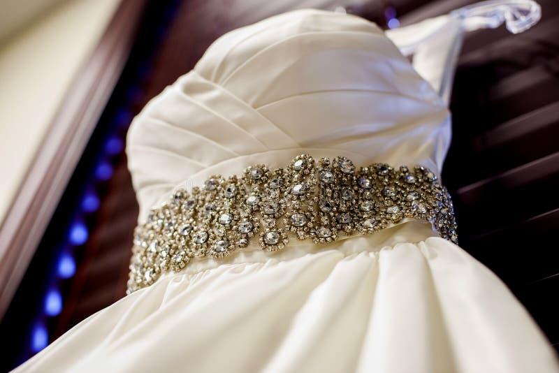 στράπλες γάμος φορεμάτων στοκ φωτογραφίες με δικαίωμα ελεύθερης χρήσης