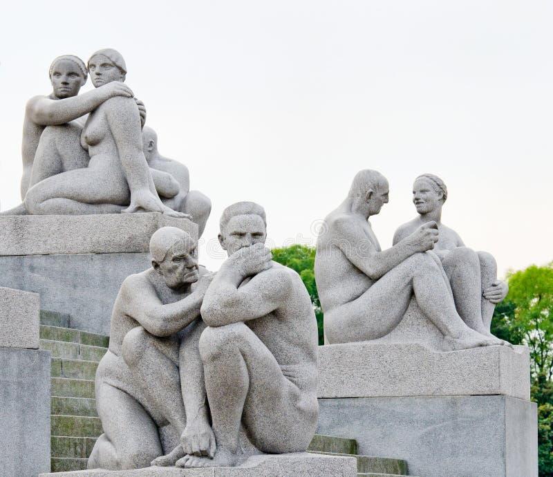 80 212 στρέμματα επιχαλκώνουν τις καλύψεις δημιούργησαν gustav Νορβηγία Όσλο γρανίτη χαρακτηριστικών γνωρισμάτων τα αγάλματα γλυπ στοκ φωτογραφία