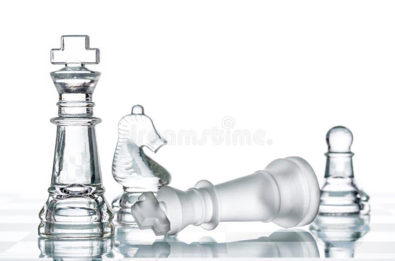 Στρατηγική ματ στον πίνακα σκακιού, νίκη επιχειρησιακού πολέμου στοκ φωτογραφίες με δικαίωμα ελεύθερης χρήσης