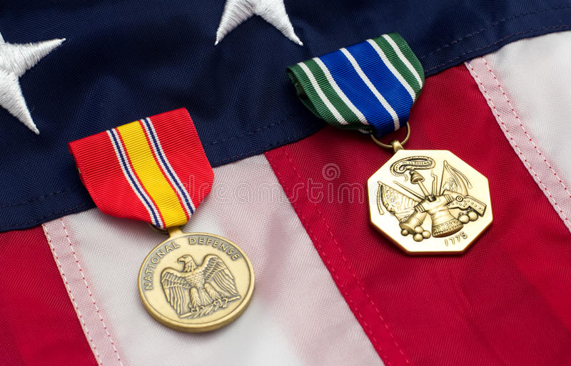 Στρατιωτικά μετάλλια αμερικανικών σημαιών στοκ εικόνα