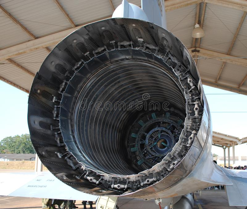 Στρατιωτικές αεριωθούμενες εξάτμιση αεροσκαφών εξάτμισης και λεπτομέρεια ακροφυσίων Εξωτερική άποψη λεπτομερής στοκ εικόνα