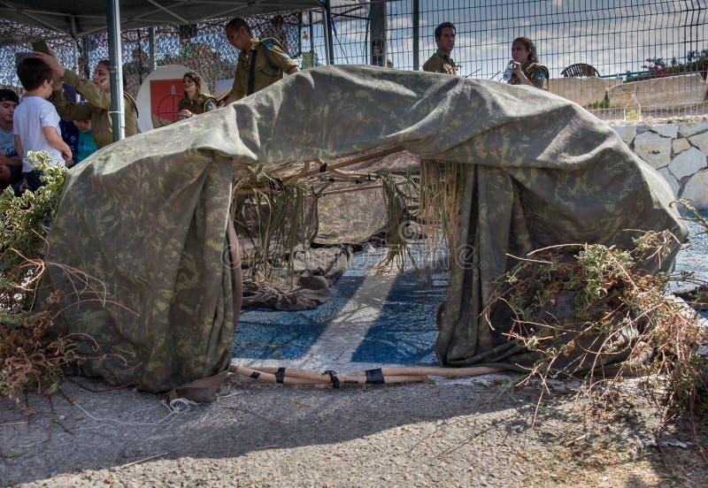 Στρατιωτική καλυμμένη σκηνή που παρουσιάζεται στο θωρακισμένο μουσείο σώματος Latrun στοκ εικόνες με δικαίωμα ελεύθερης χρήσης