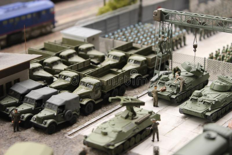 Στρατιωτική παρέλαση, στρατιωτικοί εξοπλισμός και συστήματα περιπάτων στρατιωτών στοκ εικόνα