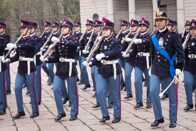 Στρατιωτικοί σχολικοί μαθητές στρατιωτικής σχολής στην τελετή όρκου στοκ φωτογραφία