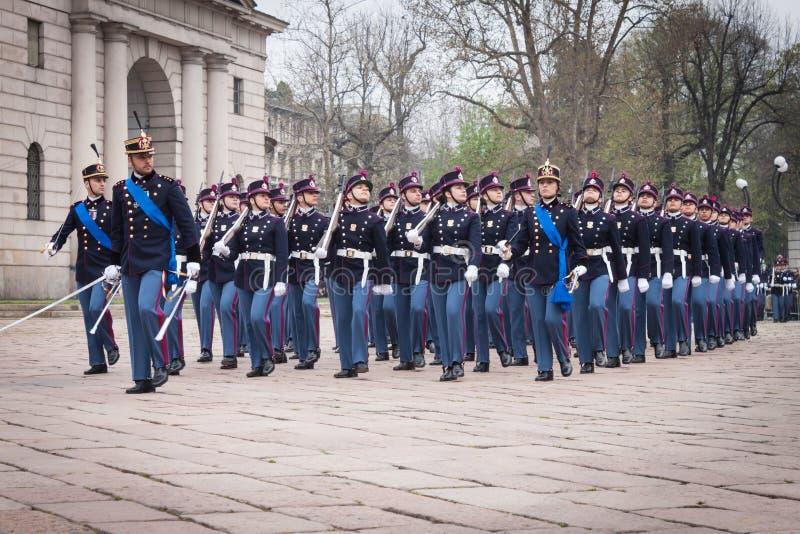 Στρατιωτικοί σχολικοί μαθητές στρατιωτικής σχολής στην τελετή όρκου στοκ εικόνες