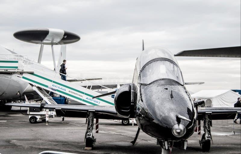 Στρατιωτικό αεροπλάνο τις ημέρες του ΝΑΤΟ στοκ εικόνες