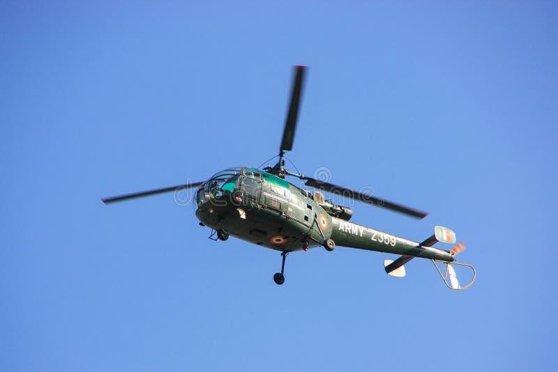 Στρατιωτικό ελικόπτερο στο μπλε ουρανό, Jaipur, Rajasthan, Ινδία στοκ εικόνα με δικαίωμα ελεύθερης χρήσης