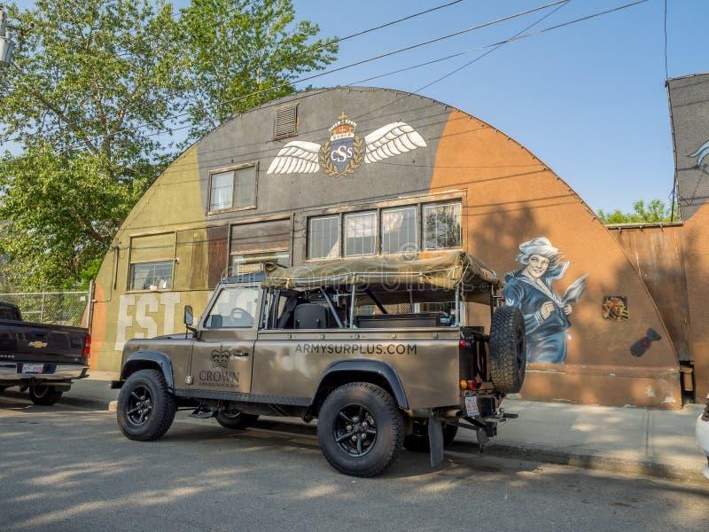 Στρατιωτικό κατάστημα πλεονάσματος στοκ φωτογραφία με δικαίωμα ελεύθερης χρήσης