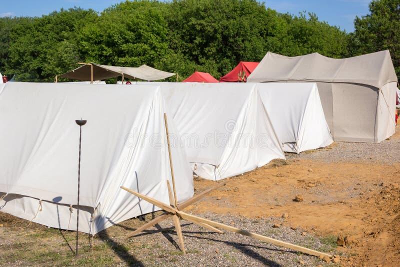 Στρατιωτικό στρατόπεδο σκηνών στο ιστορικό φεστιβάλ στοκ εικόνες με δικαίωμα ελεύθερης χρήσης
